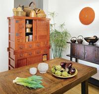maru-dining-table.jpg
